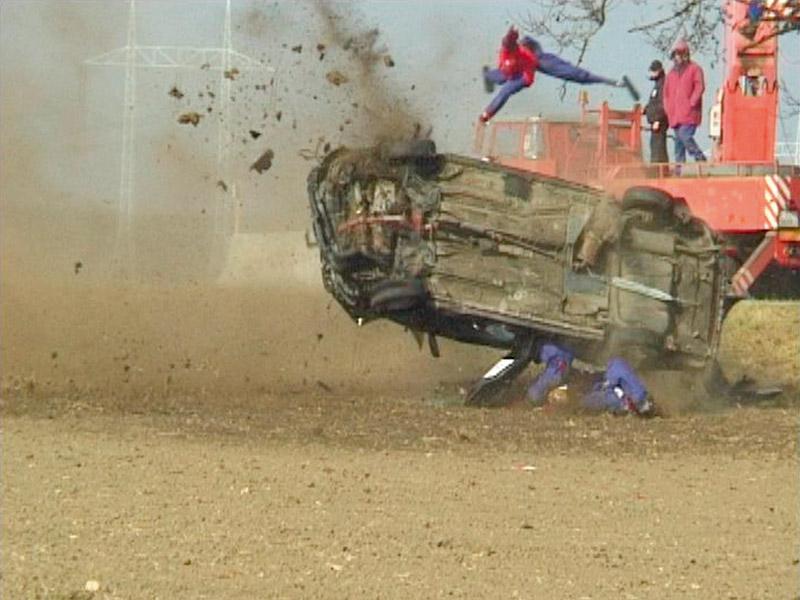 Crashversuch mit Pkw-Überschlag