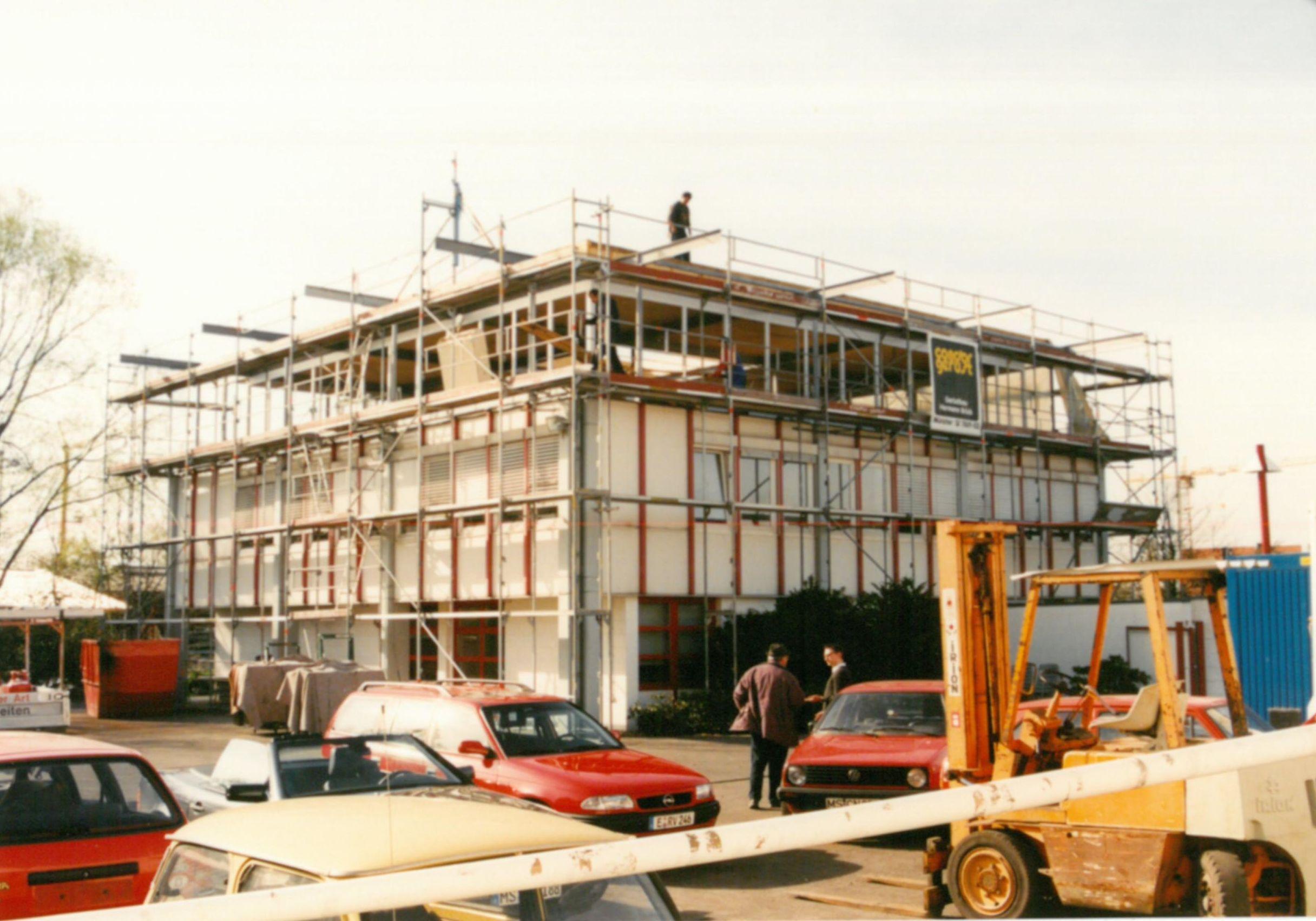 Aufstockung des Gebäudes um eine Etage