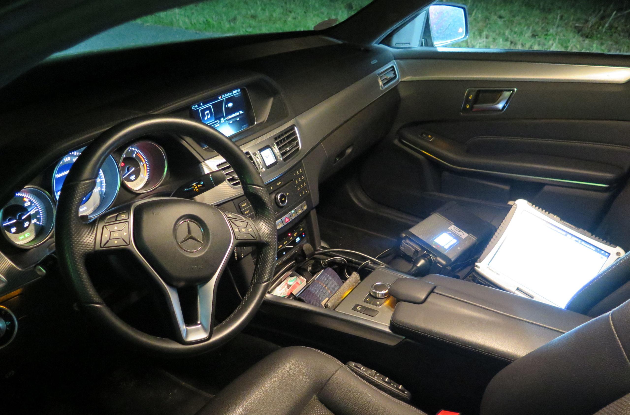 Auslesen der Scheinwerfereinstellungen eines Mercedes